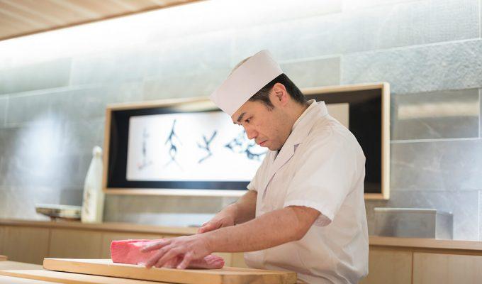 京の台所・錦市場「錦 鮨しん」寿司職人